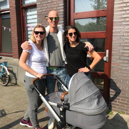 Baukje, Talitha en Jan bij de kinderwagen_co-ouderschap_vier ouders
