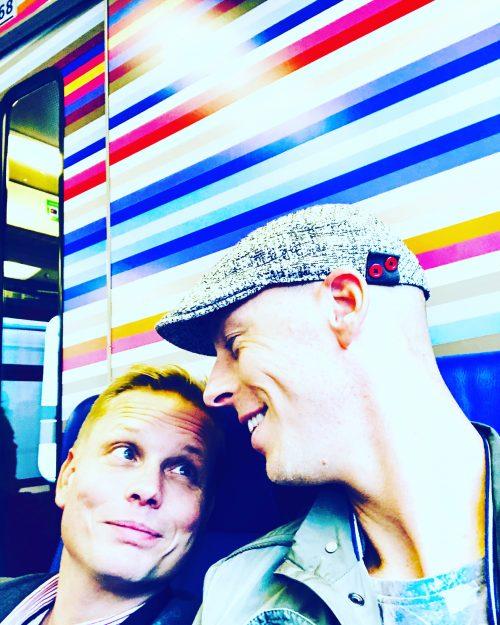 Oskar en Jan Instagram selfie_pride and porridge_ roze ouderschap_co-ouderschap